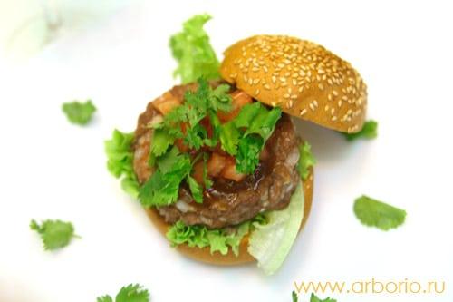 Домашний гамбургер из баранины - фото