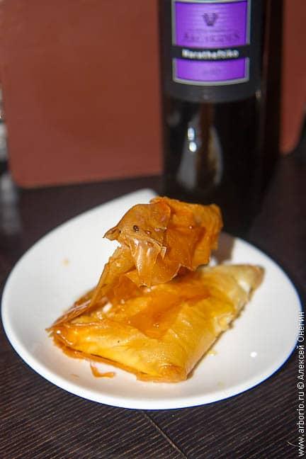 Ресторан Ta Piatakia - Лимассол, Кипр - фото