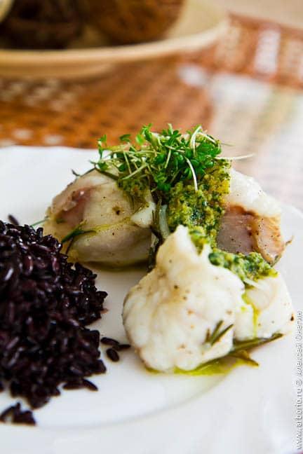 Рыба в фольге, запеченная в духовке - фото