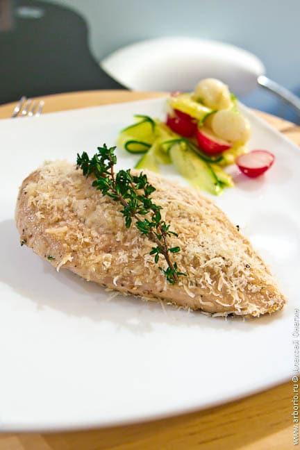 Куриное филе с сыром и тимьяном - фото