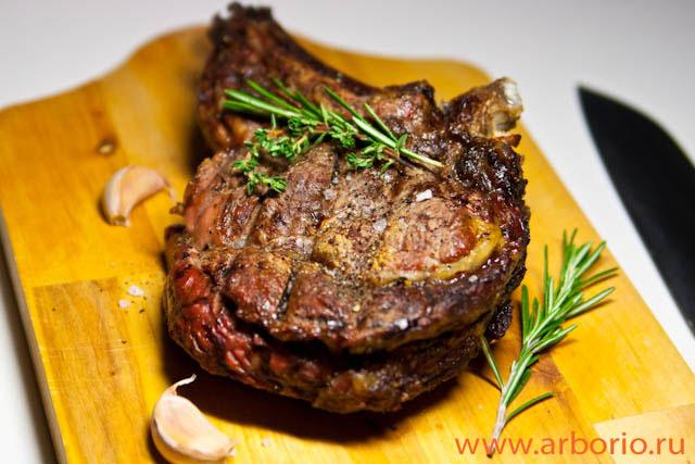 Запеченное мясо - фото