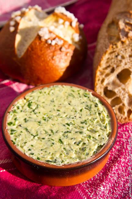 Масло с травами - фото