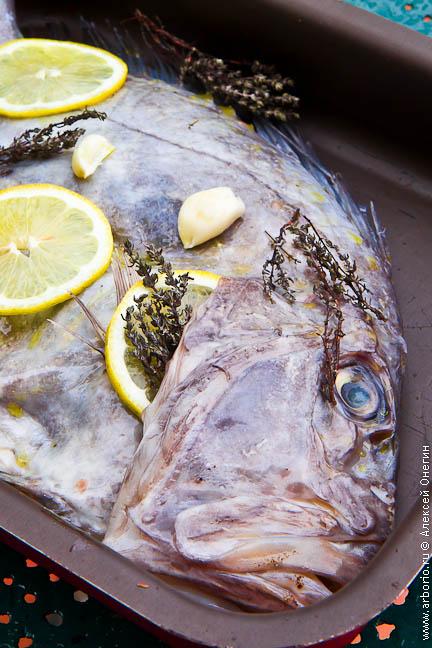 Рыба с лимоном и тимьяном - фото