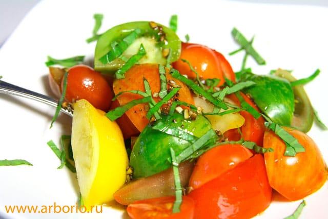 Салат из свежих помидоров - фото