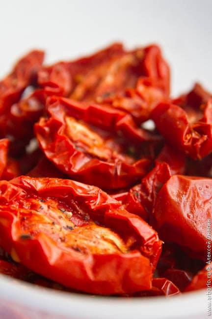Салат из стручковой фасоли с тартаром из томатов - фото