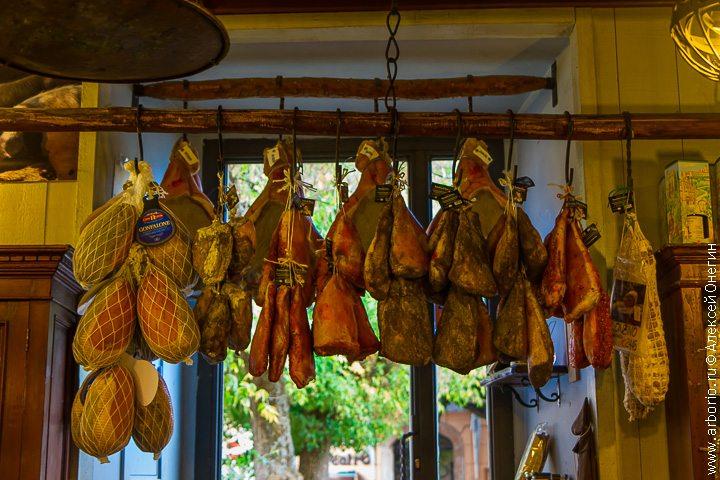 Царство мясных лавок - Норча, Италия фото