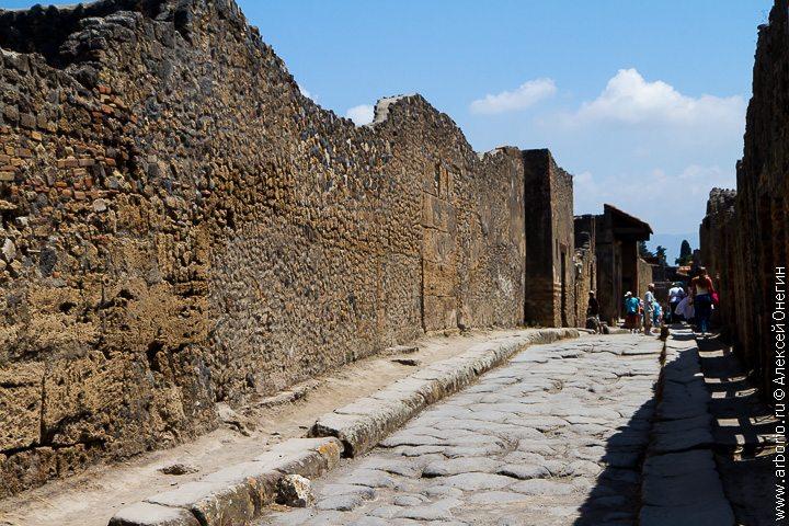 Обычный день Помпеи - Италия фото