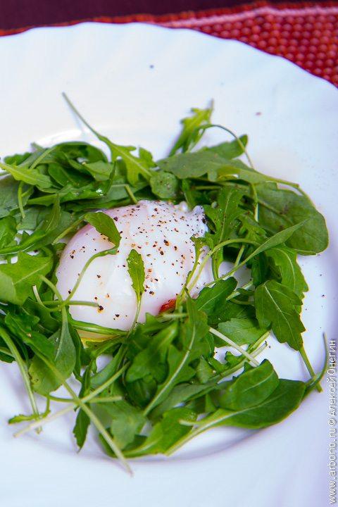 Как приготовить идеальное яйцо-пашот - фото