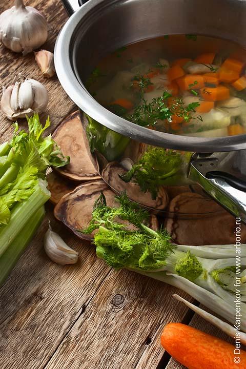 когда солить суп из свинины
