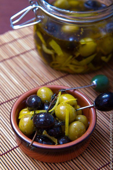 Маринованные оливки - фото