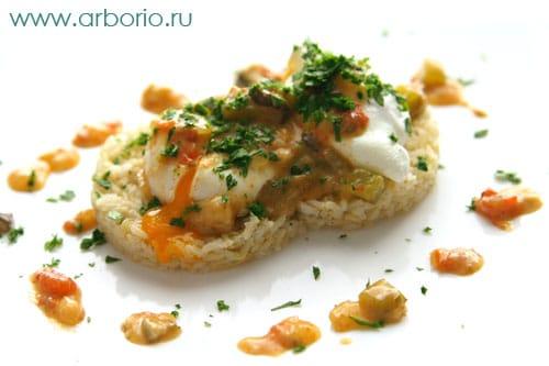 egg bakon style Яйца пашот по баконьски