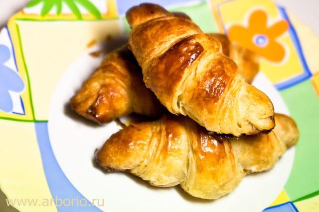 croissants Круассаны.