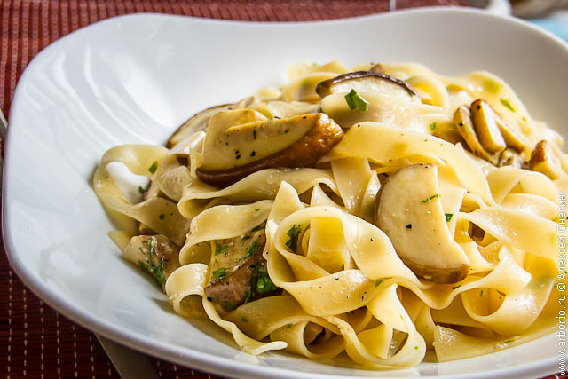 pasta con porcini 2 Папарделле с белыми грибами
